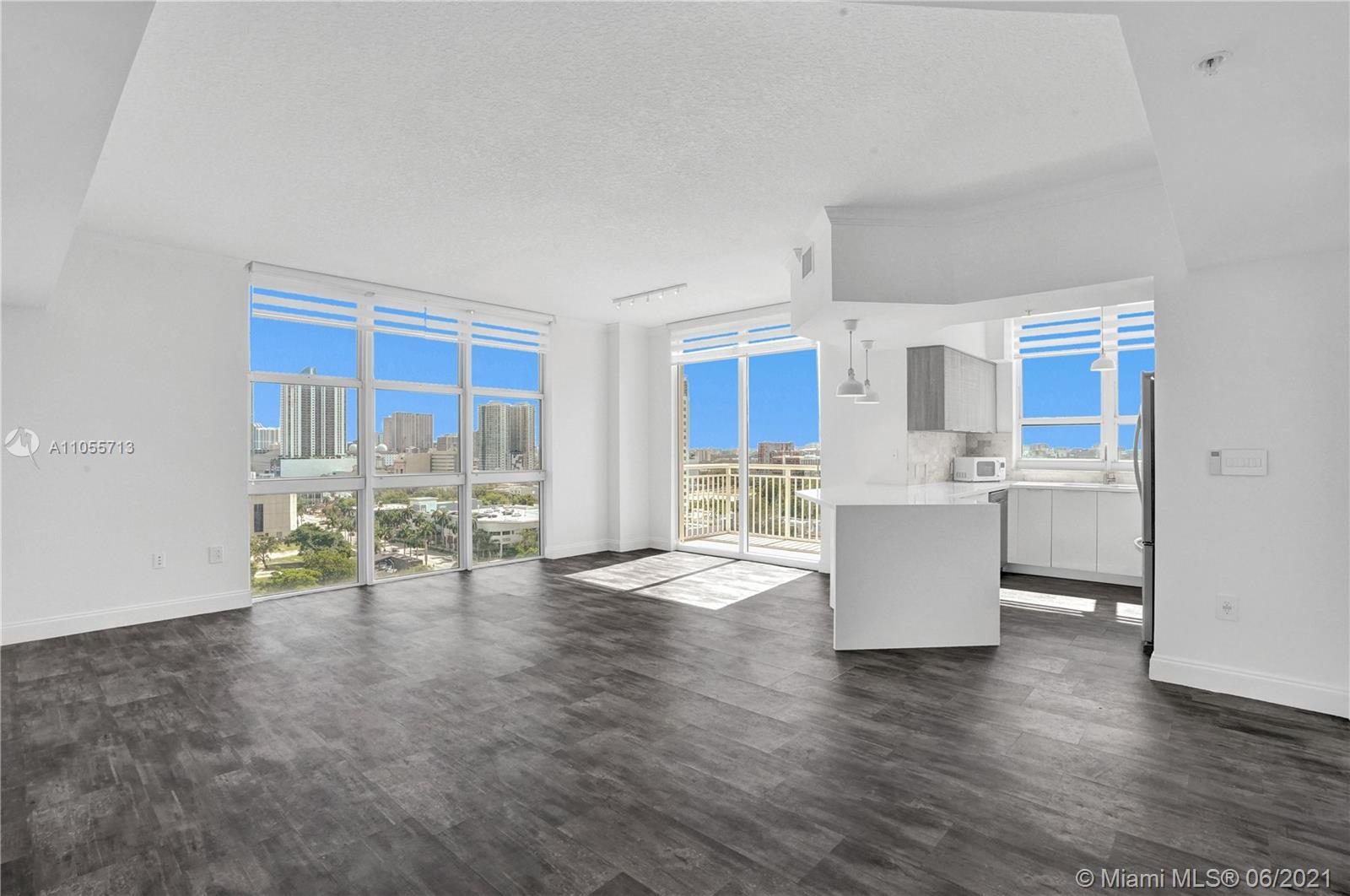 Beautifully remodeled, no expense spared in this 3 bed/2 bath corner penthouse. Enjoy the bay breeze