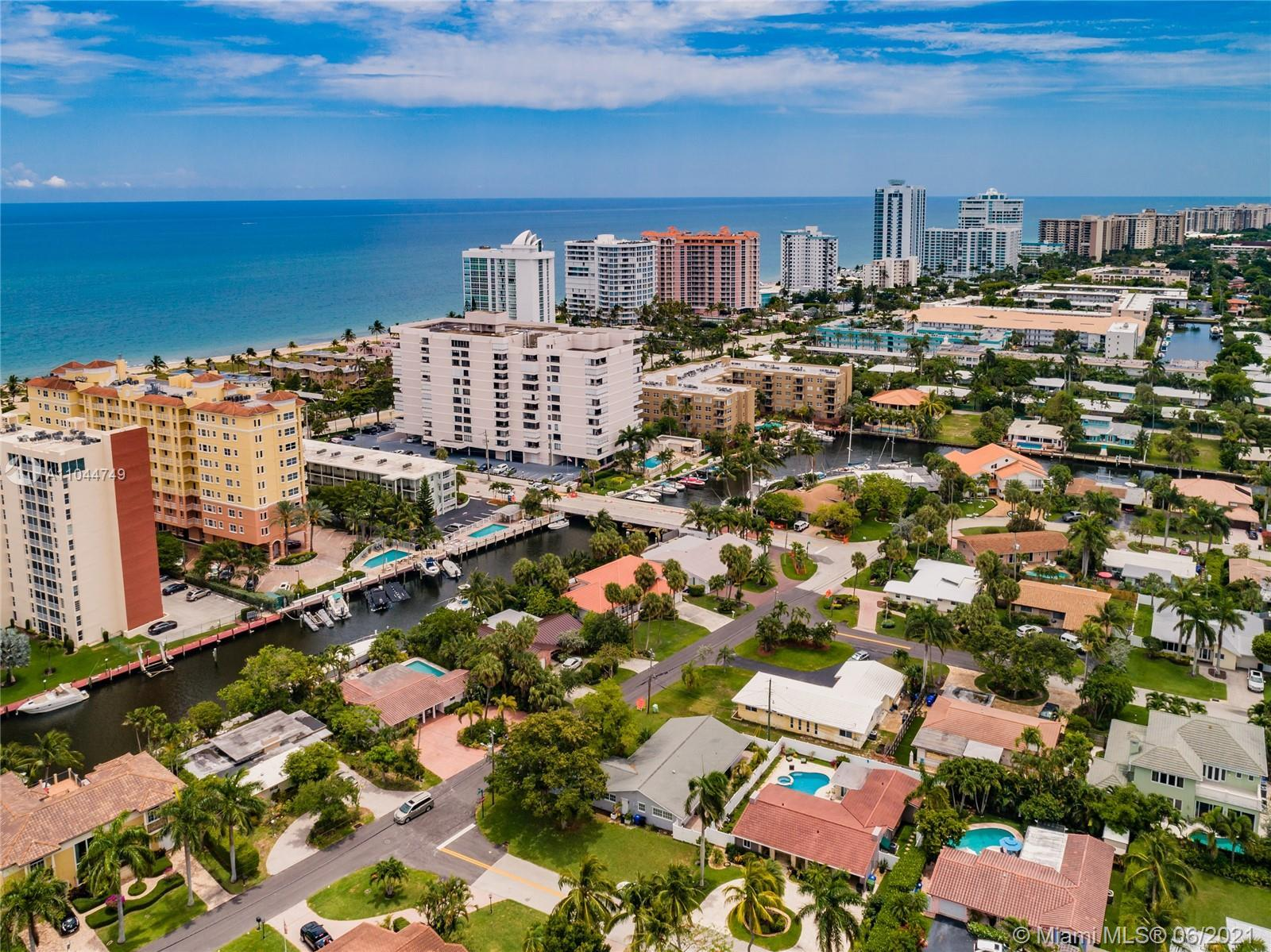 LIVE THE VACATION LIFESTYLE ALL YEAR ROUND!   STEPS TO YOUR OWN DEEDED BEACH ACCESS, EL MAR BEACH CL