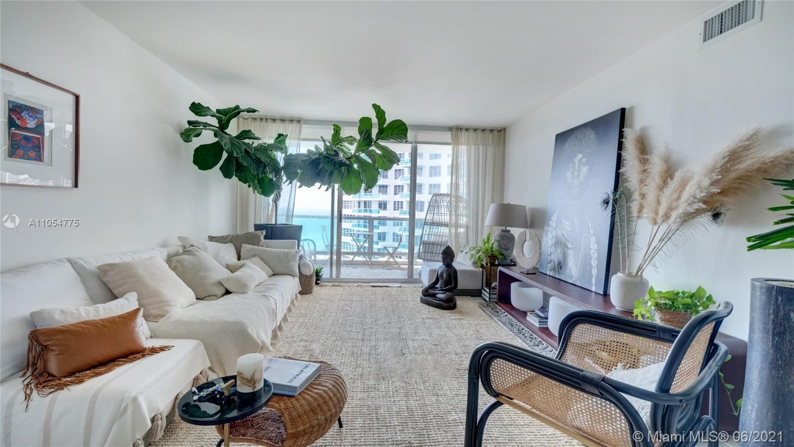 Beautiful 2/2 with direct ocean access and views located on Famous Millionaire's Row. Seacoast - lux