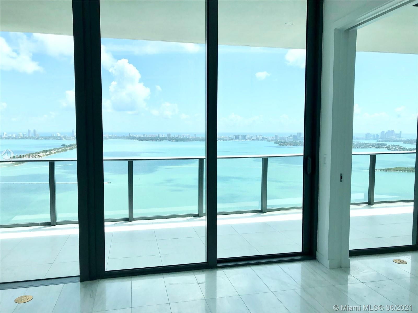 Enjoy a breathless view from this bright and spacious 1,279 sqft 1 Bed + Den | 2 bath.  10 floor ce