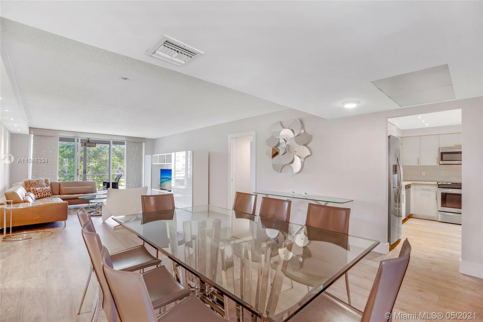 MUST SEE THIS GORGEOUS 3 BEDROOM, 2 BATHROOM 1680 SQ.FT.  THIS UNIT IS LOADED WITH SQ. FT CONTEMPORA