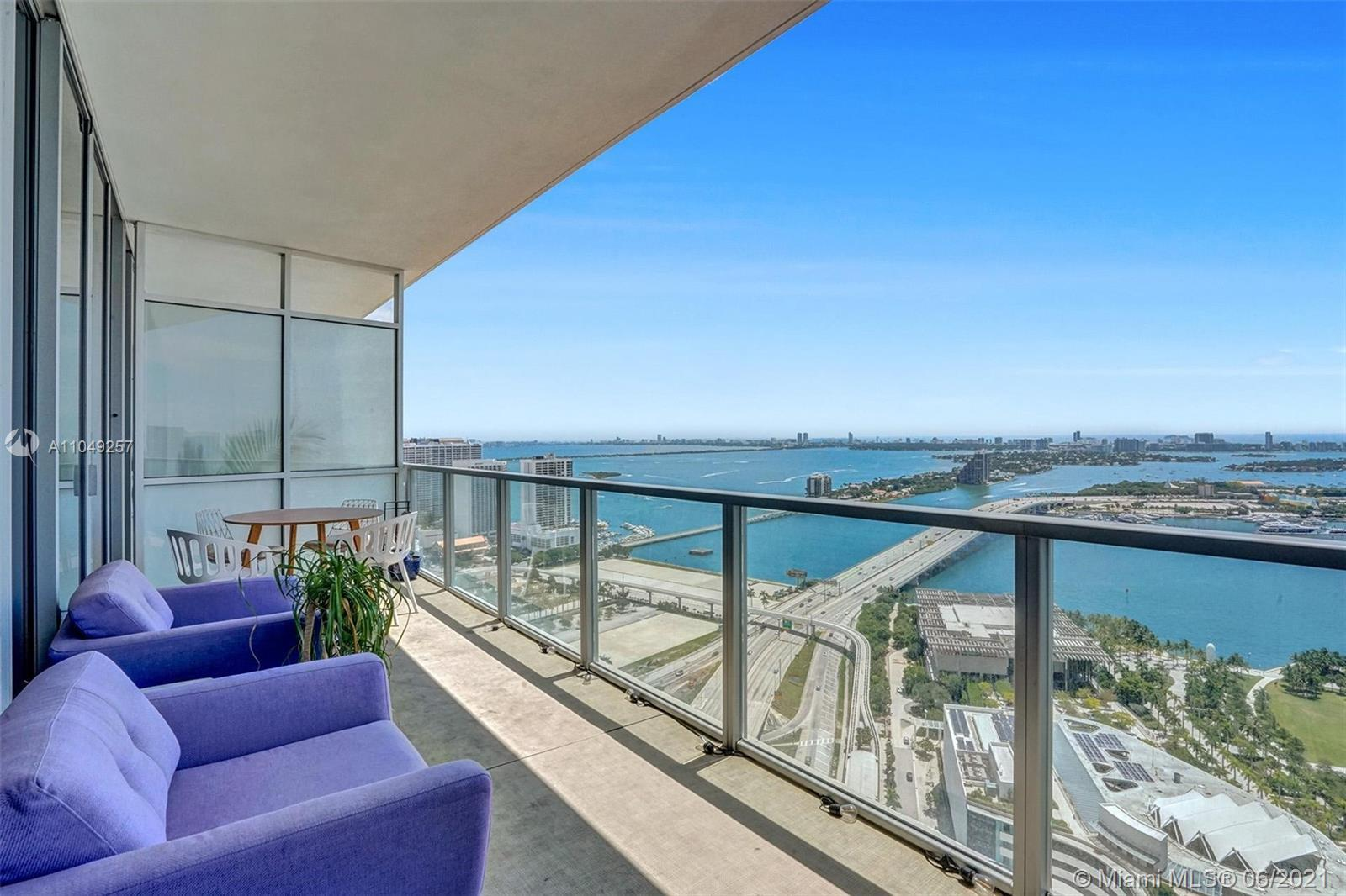 2BD/2.5 BTHS unit with breathtaking views of Biscayne Bay and Miami Beach. Unit features custom buil