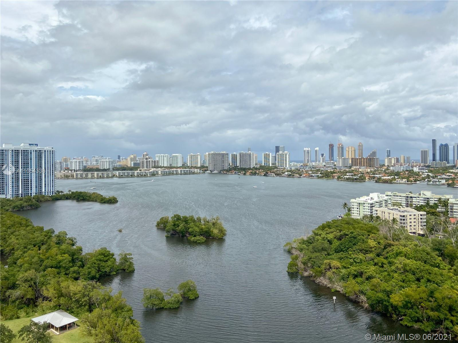 Spectacular like new corner unit, waterfront, fully upgraded, private elevator with breathtaking uno