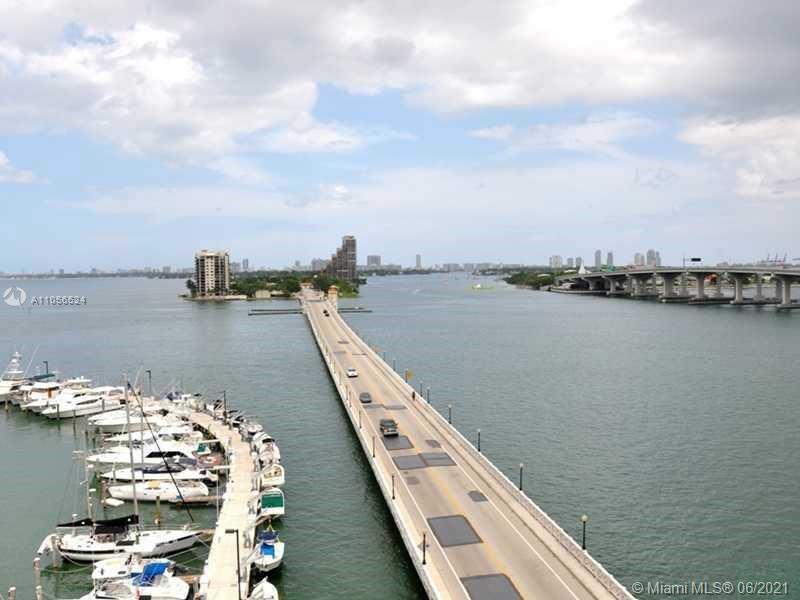 Water views and city views, remodeled unit, wood floors 1 big bedroom 1/1 bathrooms, Venetian causew