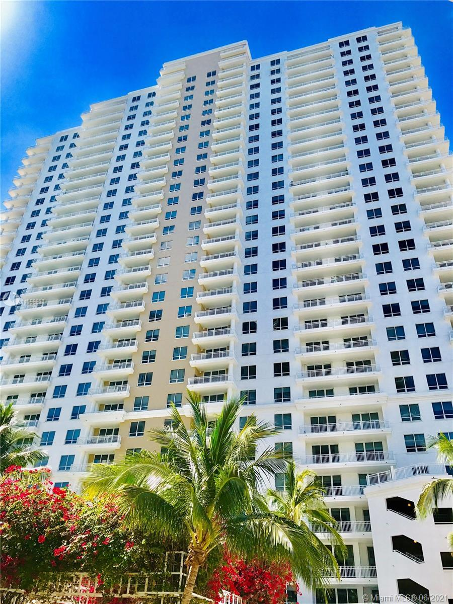 BEAUTIFUL AND SPACIOUS 2 BED/ 2 BATH APARTMENT LOCATED IN THE ISLAND OF BRICKELL KEY WITH STUNNING V