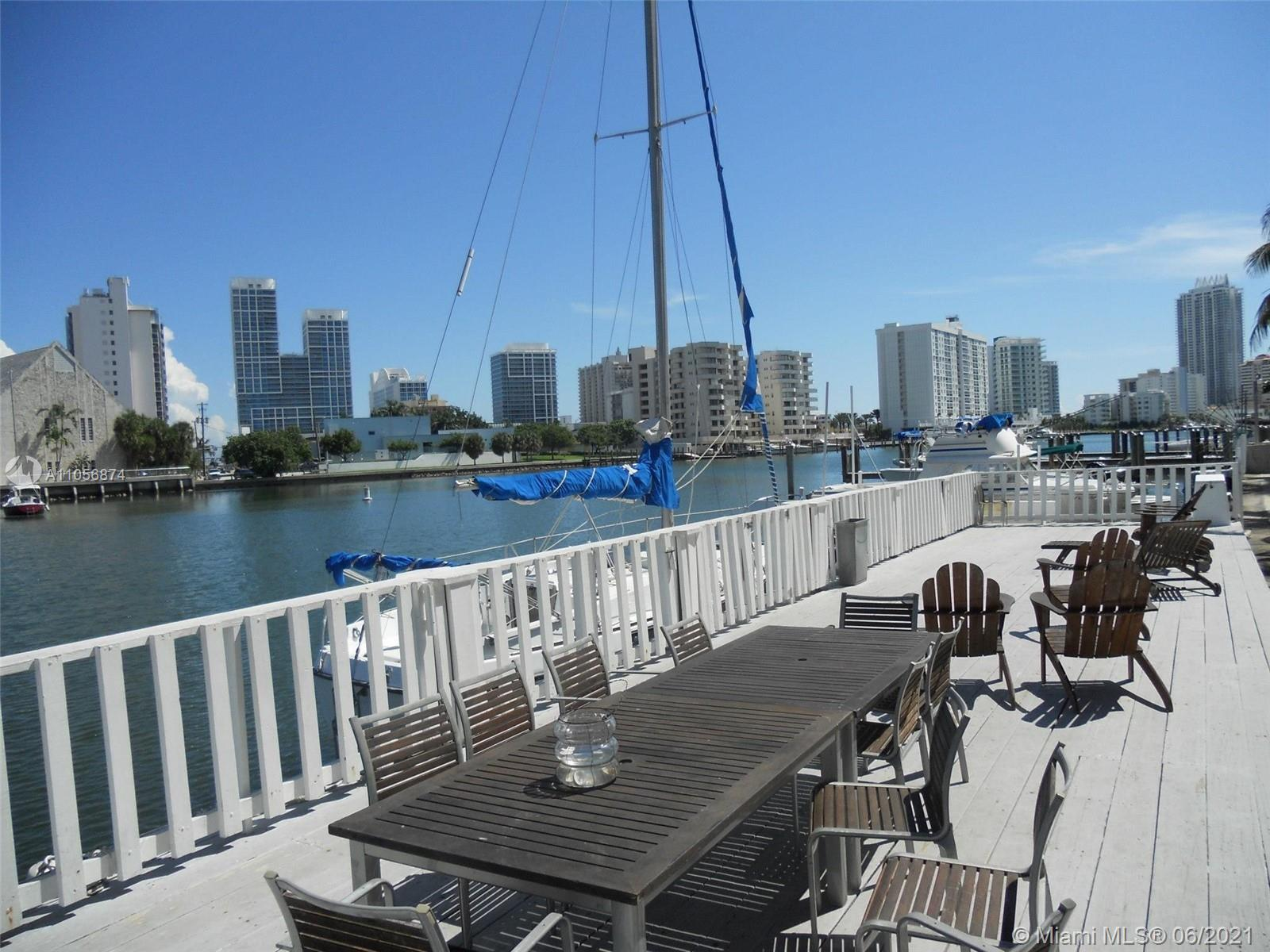 BOATERS HAVEN -- 2/2 townhome in the waterfront community of Tropical Resort Condominium in Miami Be