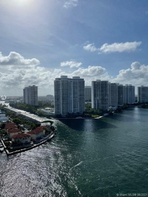 Remodeled condo on 22nd floor with magnificent north intracoastal view of Willams Island, Island Est