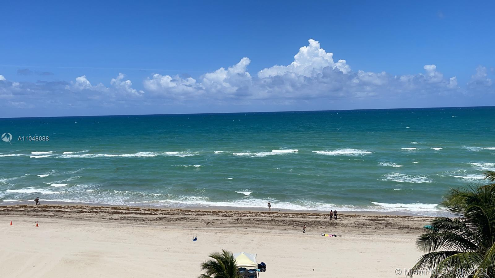 Spectacular ocean views! Large corner unit Line 01 with the best of the best ocean views directly on
