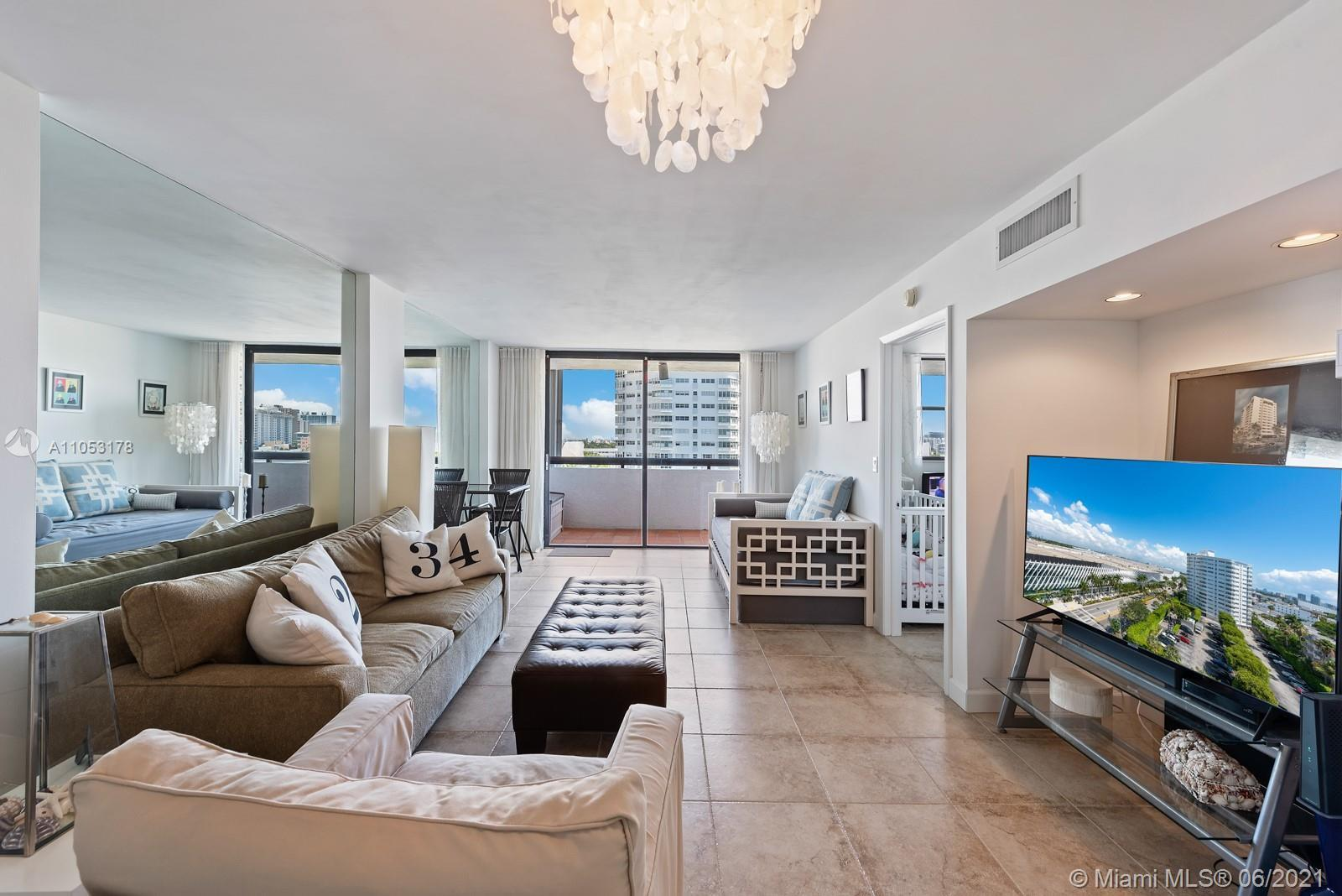 The perfect pied-a-terre in South Beach located between the ocean and Lincoln Road. Parc Plaza Resid