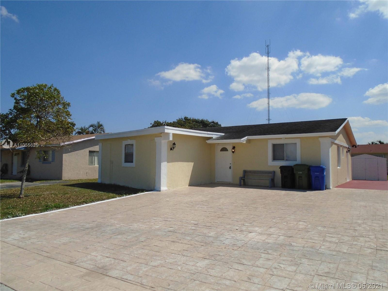 Charming home in Fort Lauderdale for sale! This 3 bedroom 2 bathrooms home is perfect as in investme
