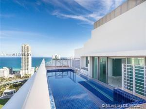 SPECTACULAR ROOFTOP DUPLEX IN THE BRAND NEW PARQUE TOWERS IN A HEART OF SUNNY ISLES BEACH. THIS BEAU