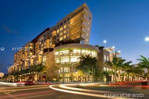 Beautiful and spacious 1/1 unit in Midblock Miami. Unit features one of the biggest balcony of the b