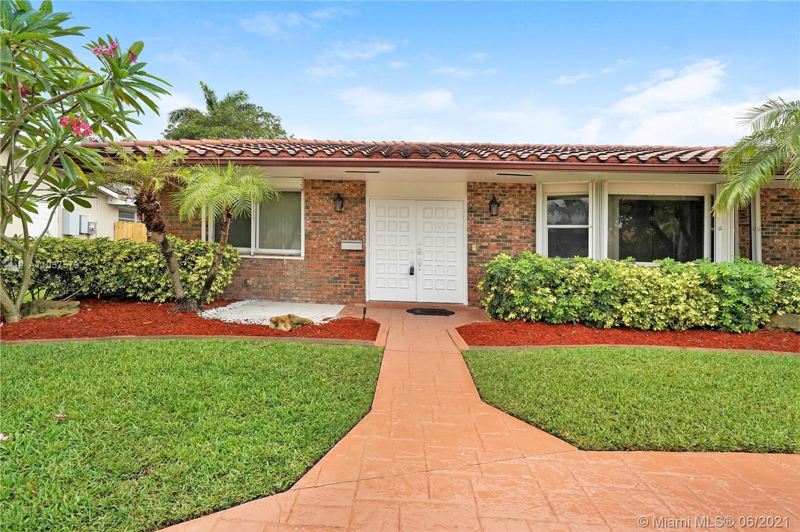 Look no farther!! Perfect home centrally located in well desired Emerald Hills. Just a short drive t