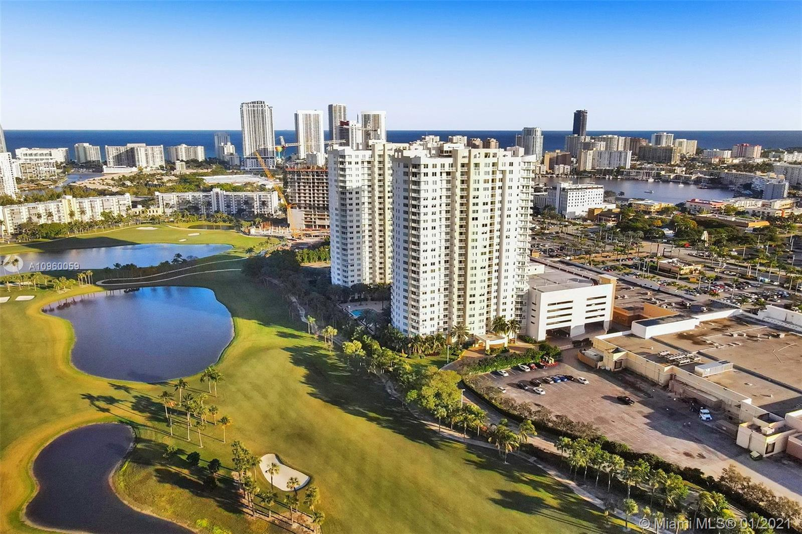 """LOCATION, VIEW """" GOLF, TENNIS , BAY AND CITY """" IN THIS EXCELLENT UNIT WITH 2 BEDROOMS + 2 BATHROOMS"""