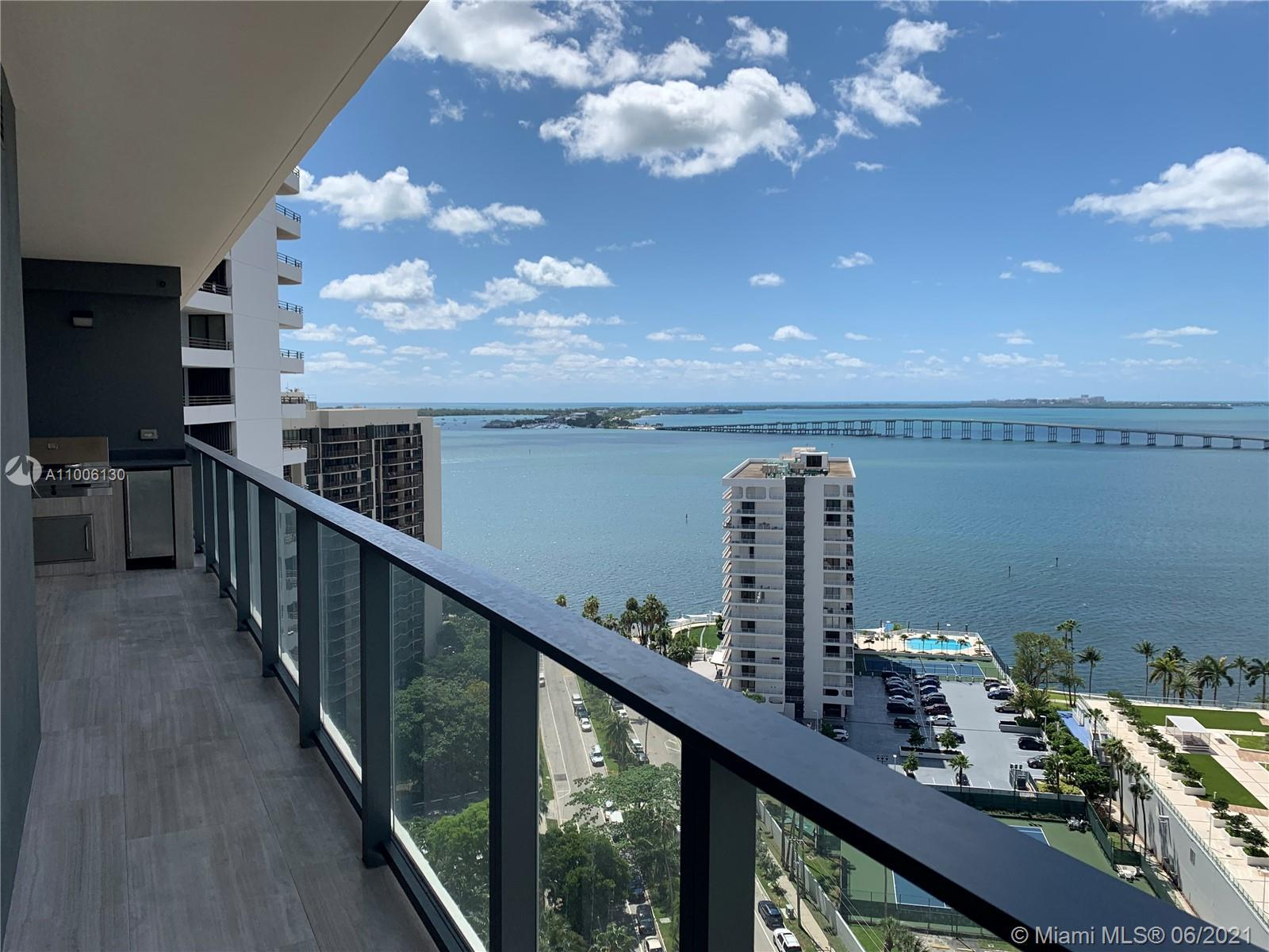 Beautiful and spacious 1 bed 1.5 bath with high-end finishes, european kitchen with top of the line