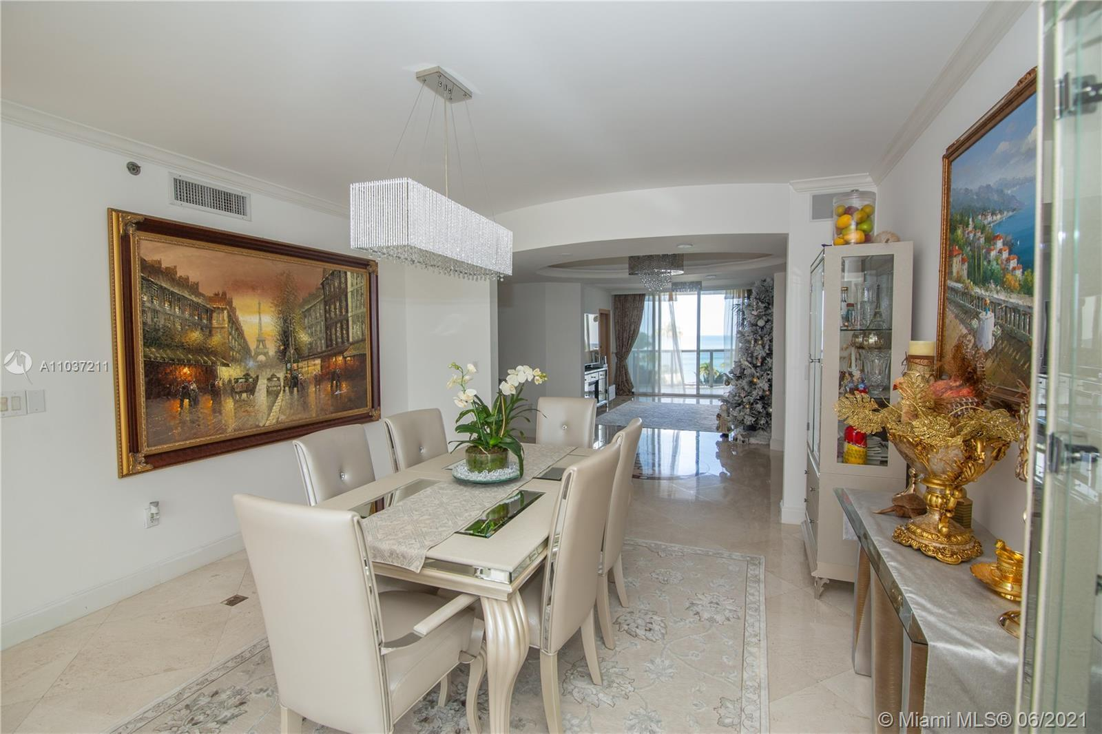 Spacious and luxurious 3/3 in resort style OCEAN lll of Sunny Isles Beach. Apartment has amazing cit