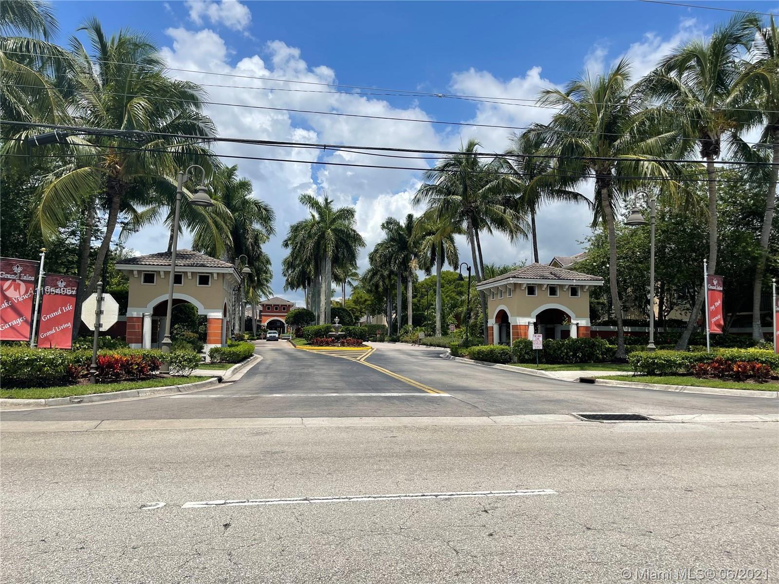 GREAT OPPORTUNITY TO OWN IN THE VERY SOUGHT AFTER GRAND ISLES. Perfect for first-time home buyers an