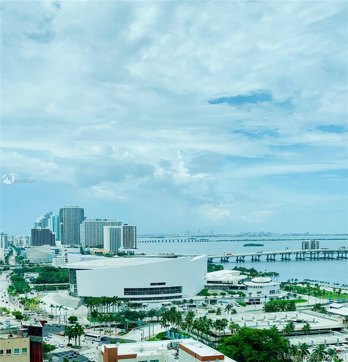 Great location, Downton, Brickell, Miami beach everything closer !!! Charming apartment 2 bedroom,2