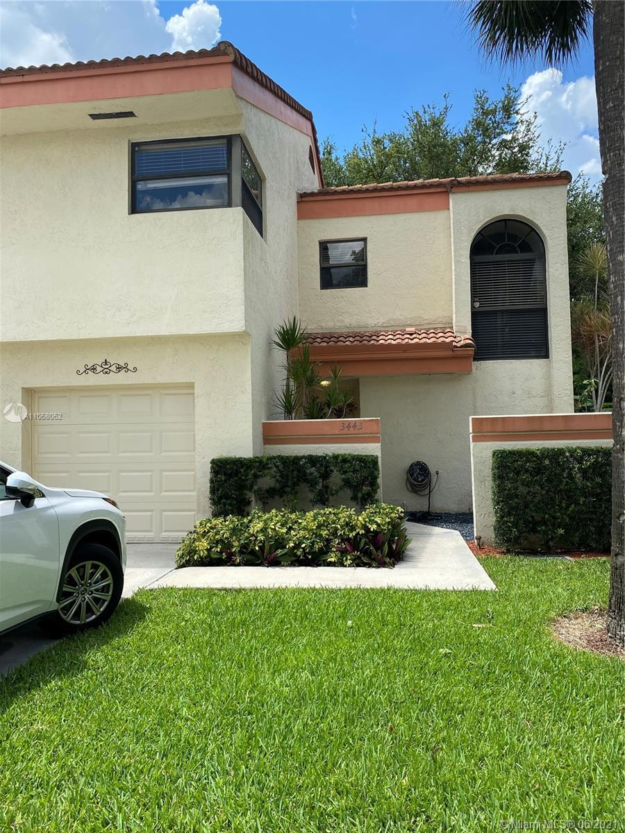 Beautiful Two Level Corner Townhouse on private Cul d' sac in the gated community of Emerald Oaks. O