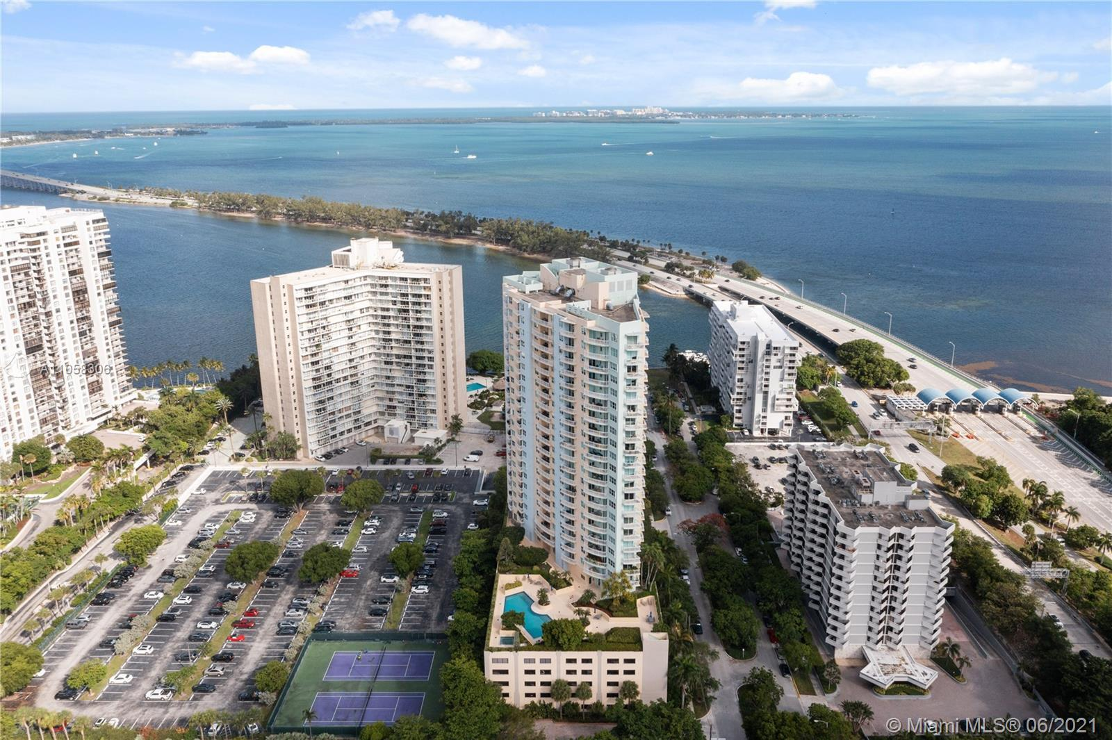 Amazing opportunity to own this beautiful unit in the quiet part of Brickell. Maintained & upgraded