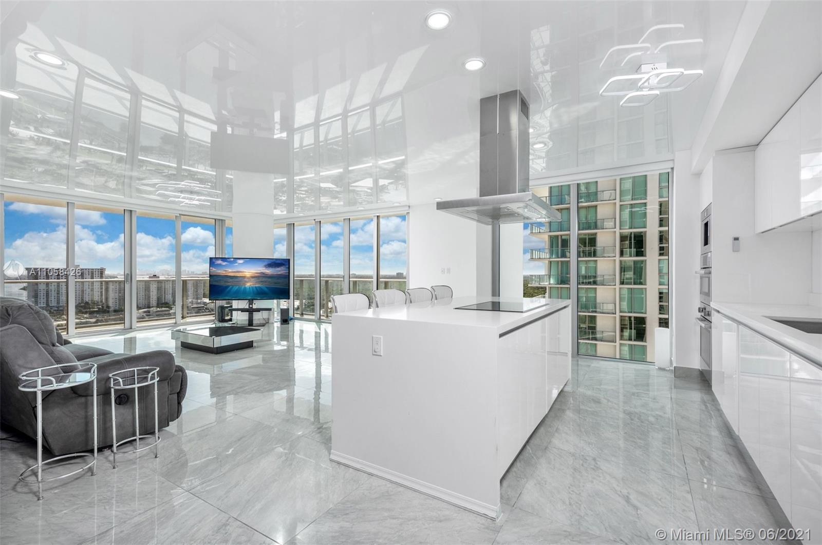 Unit just remodeled and upgraded! Located at the gorgeous Parque Towers this brand new 3 BED, 3,5 BA