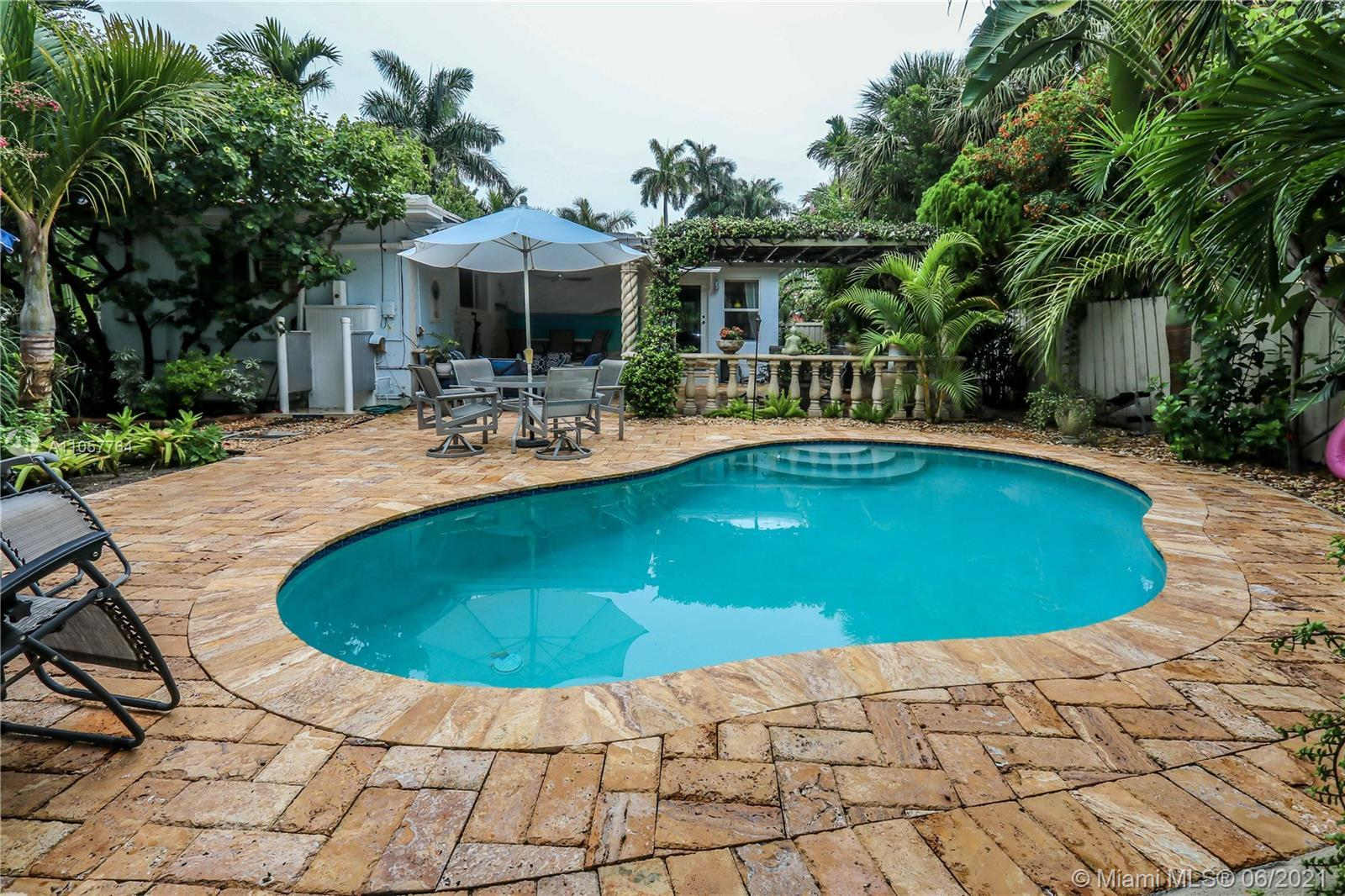 Impeccable, Bright & spacious 3/2 Pool home w/ private tropical paradise perfectly landscaped home l