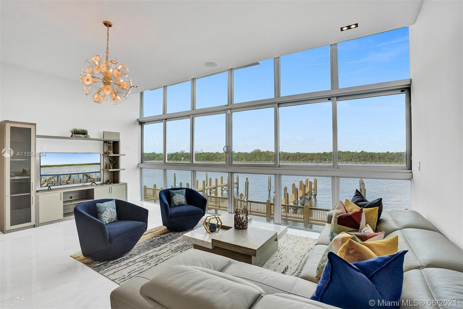 Quint Collection Hollywood, 10 luxury gated waterfront townhomes with a private marina & unobstructe