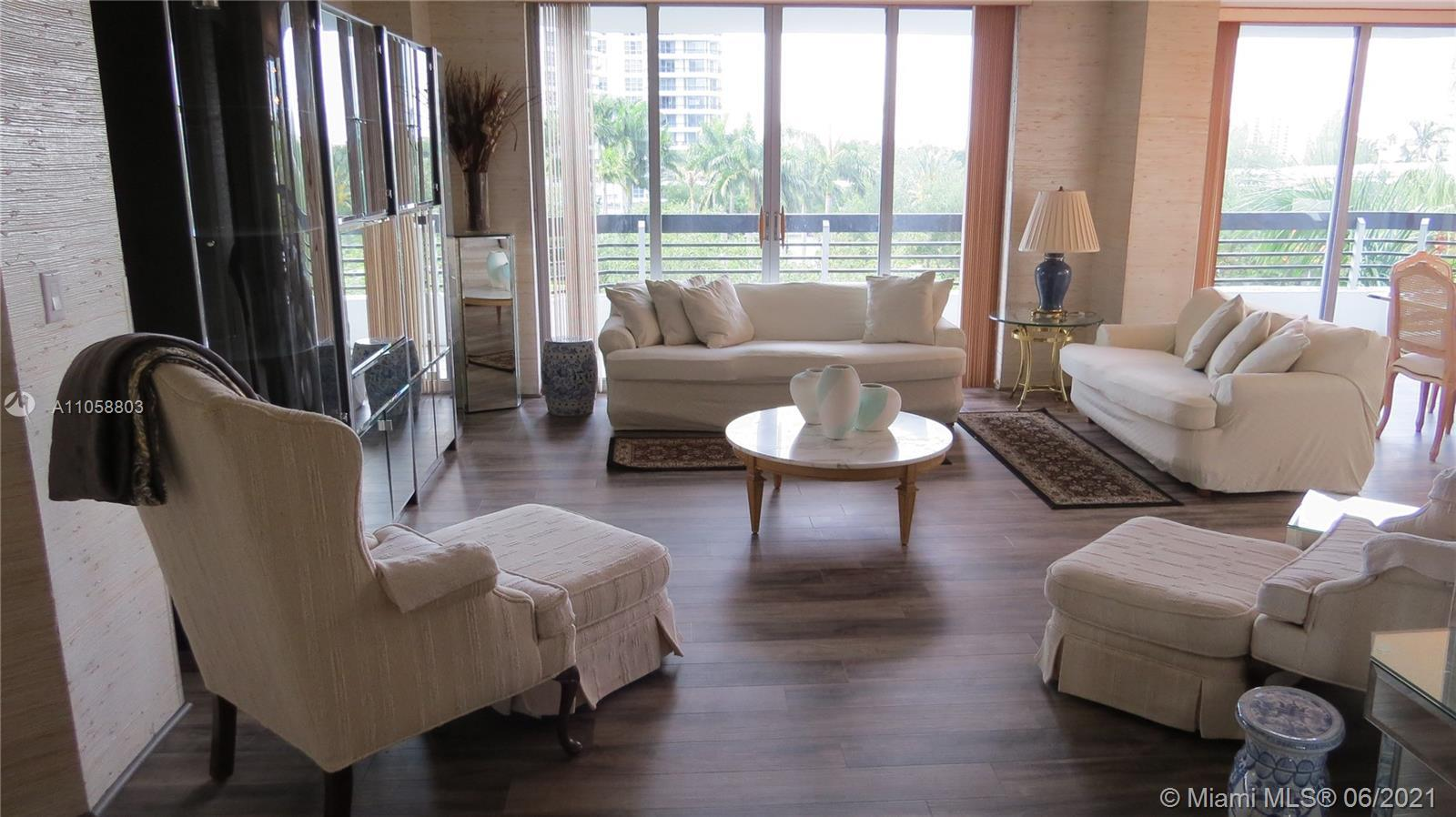 Mystic Pointe/ Tower 300/ Aventura/ 2 Beds/2 Baths/1,353 Sq. Ft/ Great location/Close to the Aventur