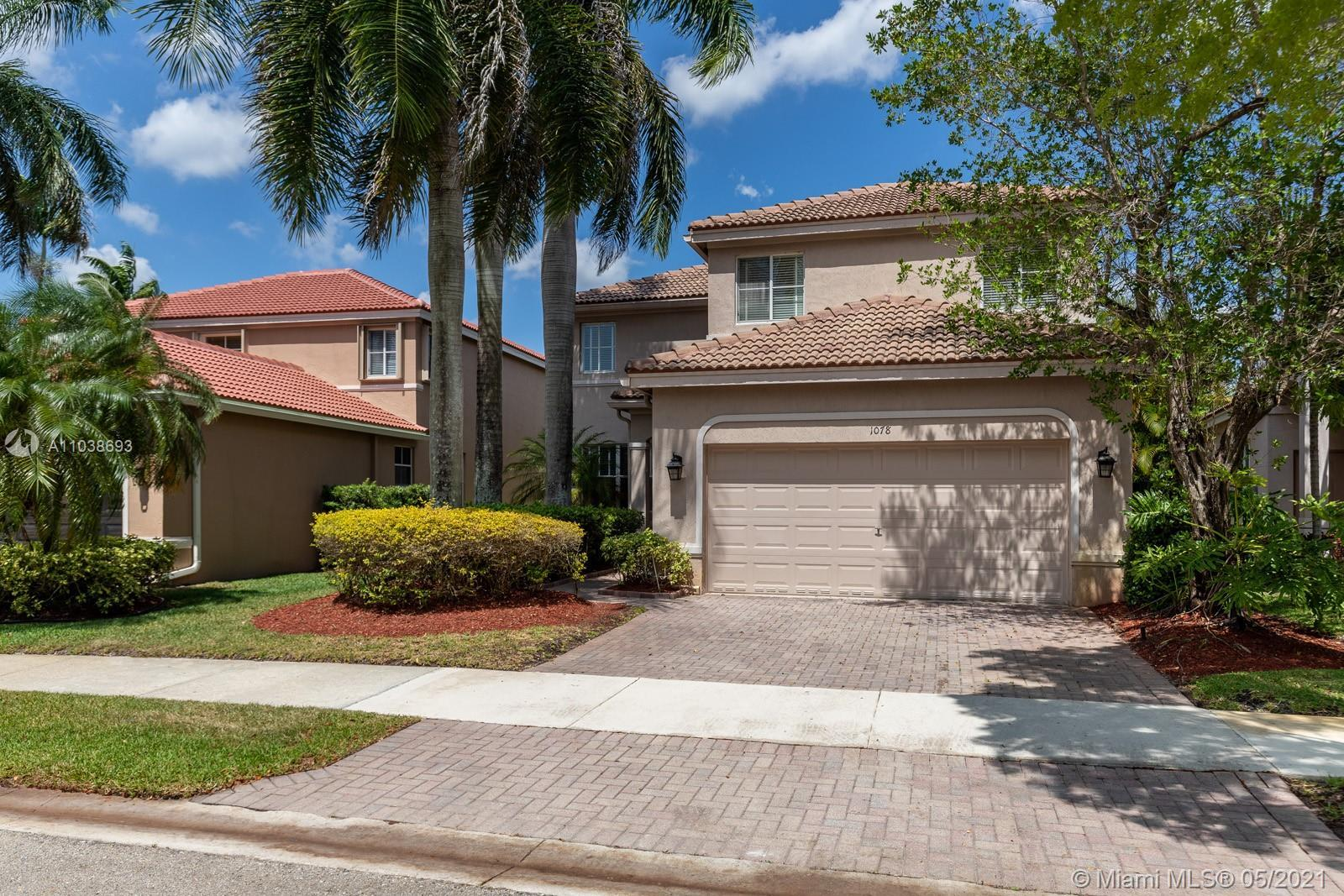 Gorgeous 5/3.5 single family home in Savanna, Weston Florida. This unique property sits on a premium