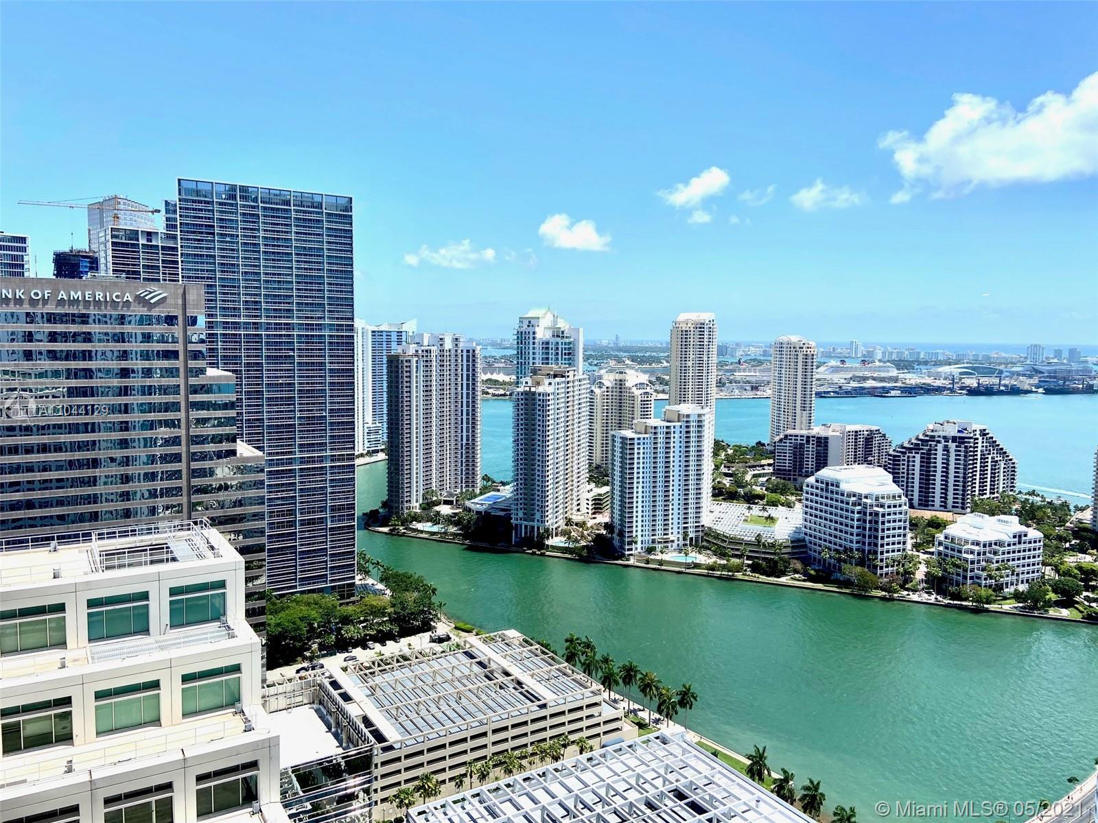 SPECTACULAR LARGEST ONE BEDROOM CORNER UNIT AVAILABLE. LARGE PRIVATE BALCONY, UNIT COMPLETELY RENOVA