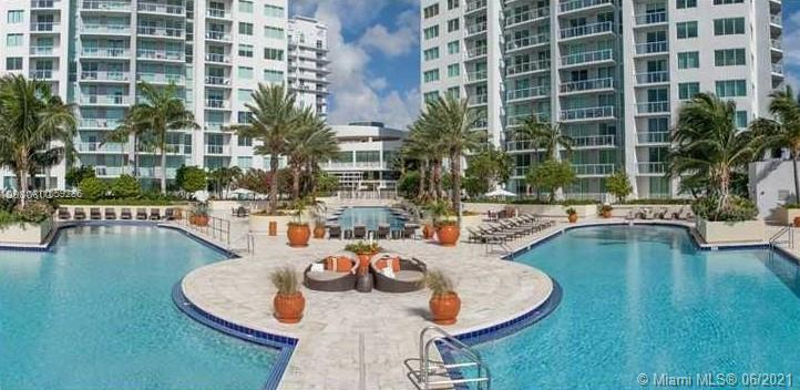 Spacius unit in the heart of downtown Miami, building with all amenities with an amazing view to the