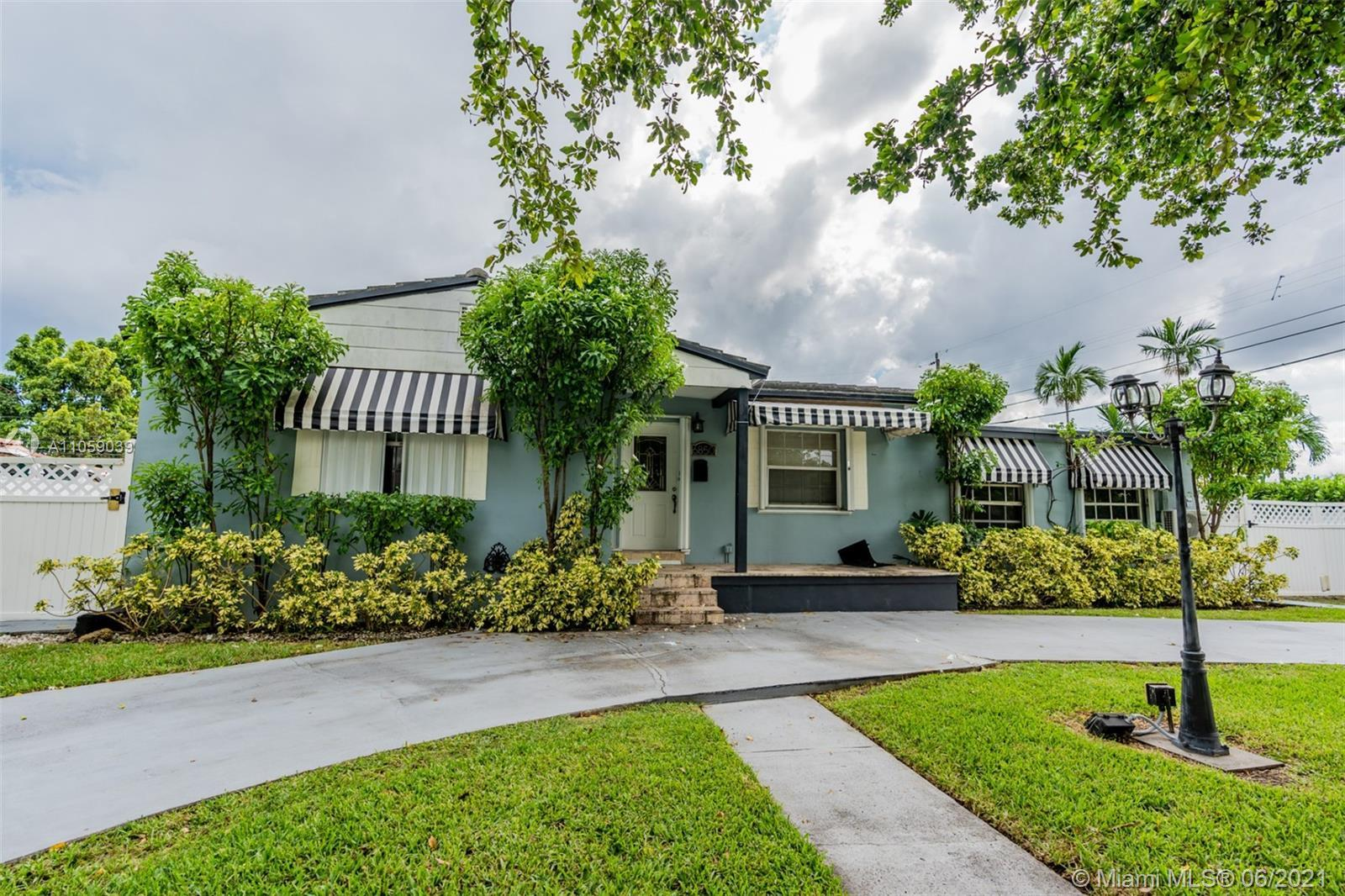 t's all about looks and we dont judge you! This picturesque and recently remodeled house is perfect