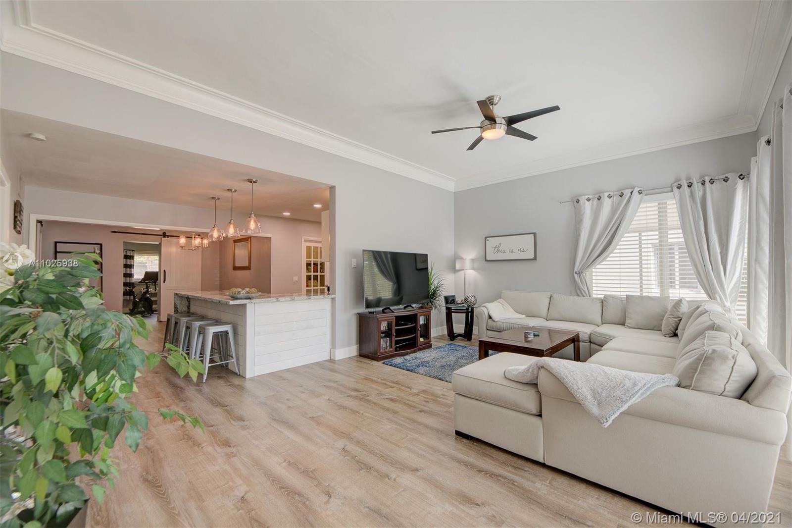 Beautifully renovated 4 bed / 3 bath single family home in Victoria Park!! Bonus detached Guest quar