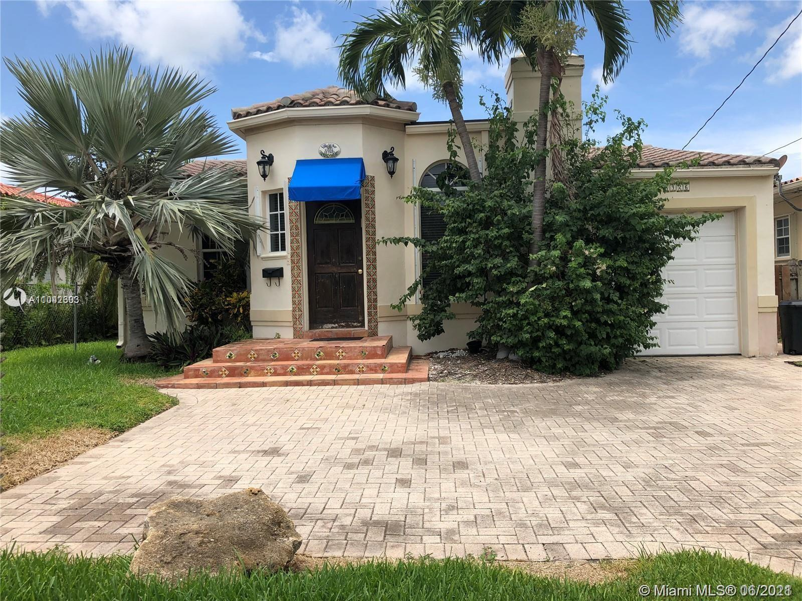 Beautiful home in Surfside! Hardwood & tile floors. Updated kitchen with granite countertops. You mu