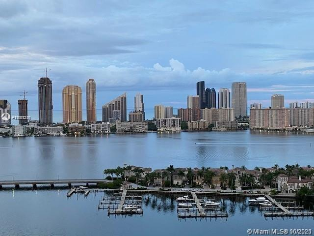 Exclusive residence in Peninsula 1 located in the heart of Aventura. This full service building feat