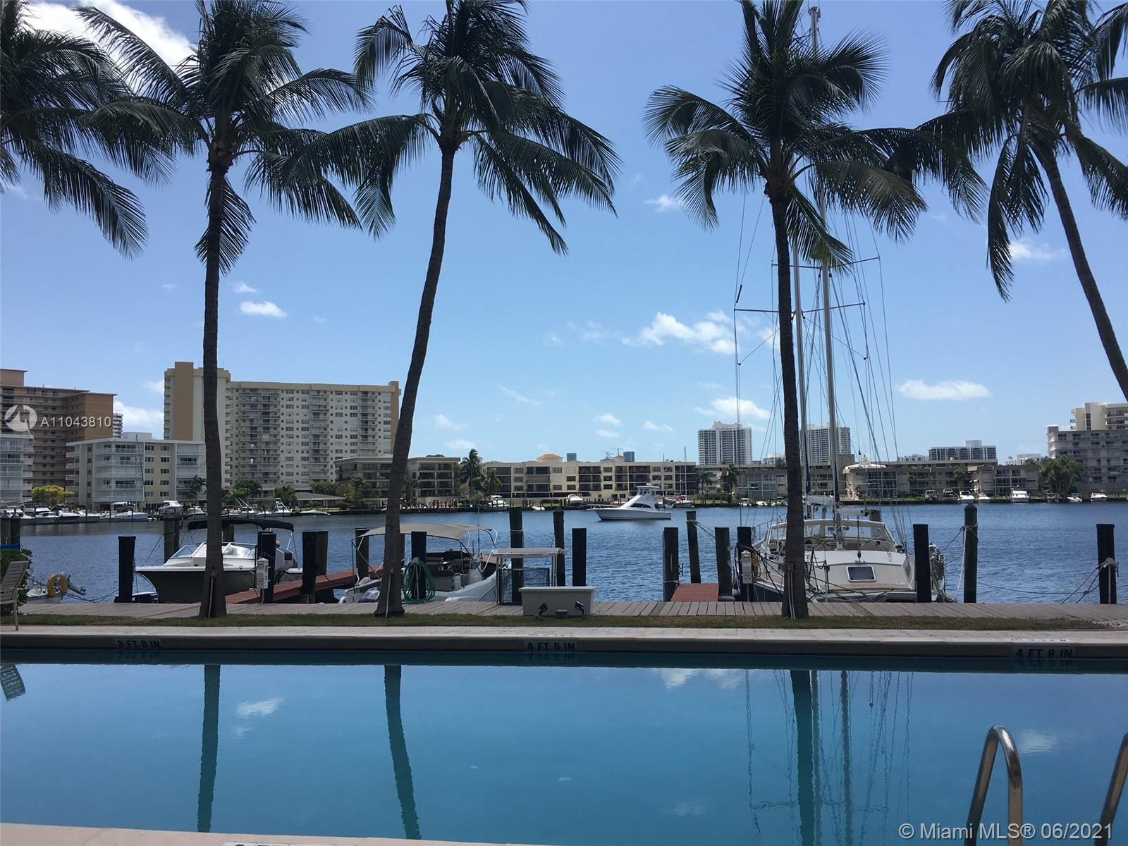 Deepwater –Ocean Access -No fixed bridges -Private Dock!  One Minute to Intracoastal. Rarely Availab