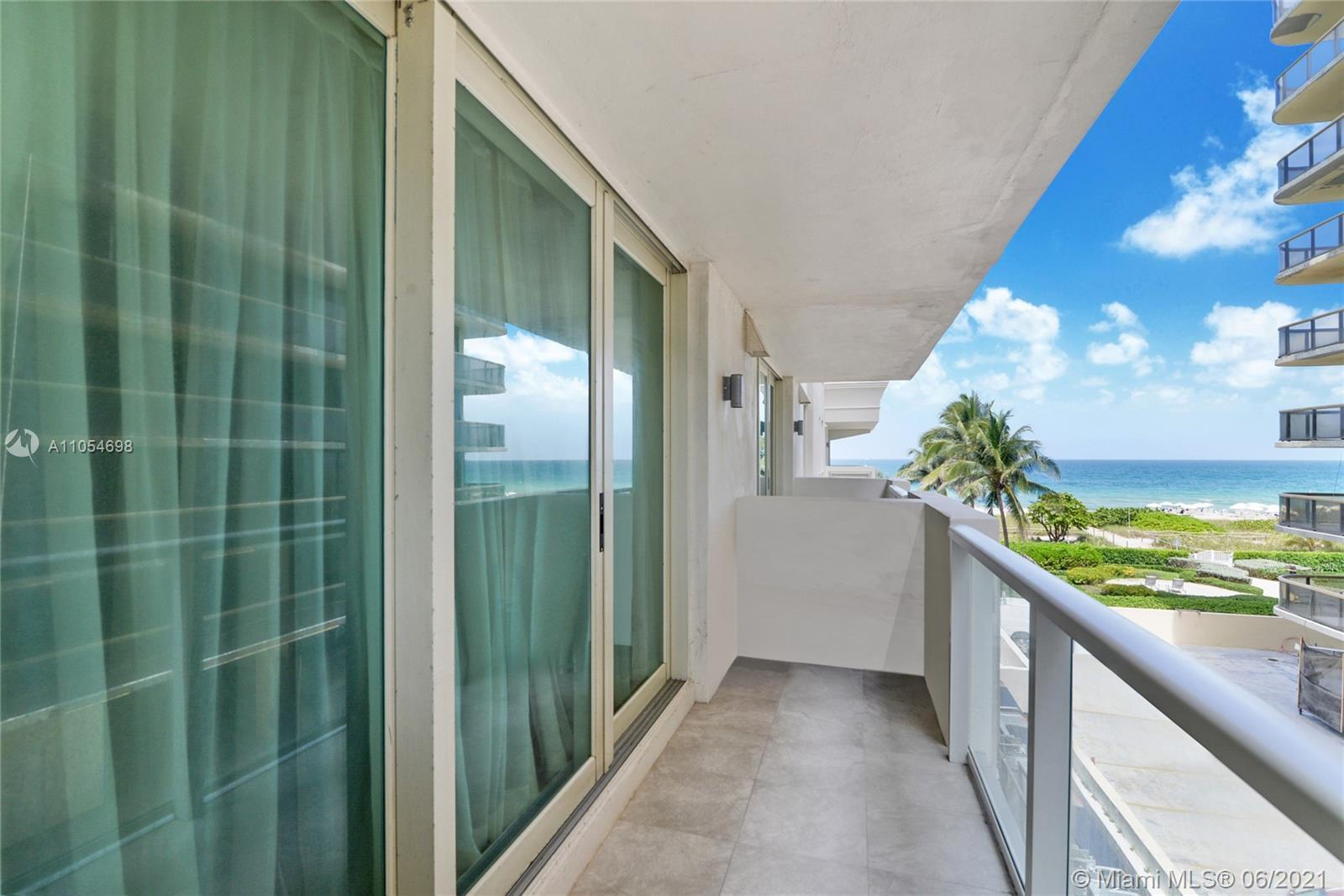 Welcome to Residence 304 at Spiaggia Ocean. Perfect Beach retreat. Cozy condo 1 Bedroom plus Den (co