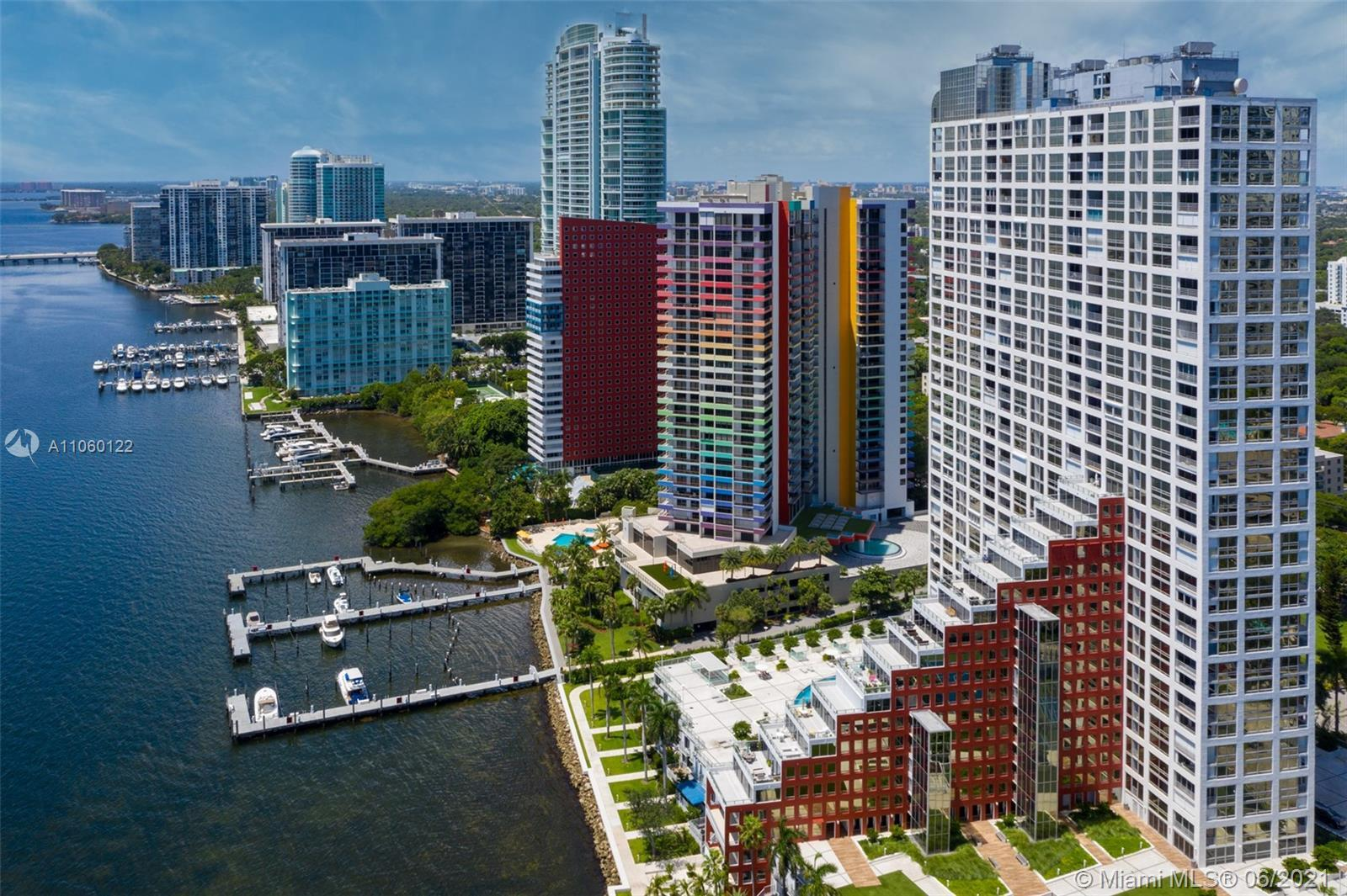 welcome to the fabulous Golden age of Miami. In 1981 Arquitectonica shaped the skyline of Miami, bui