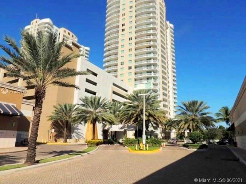 INVESTMENT TENANT UNTIL FEBRUARY 2022 BEST LOCATION IN HALLANDALE BEACH! Priced to sell!!! Upgraded