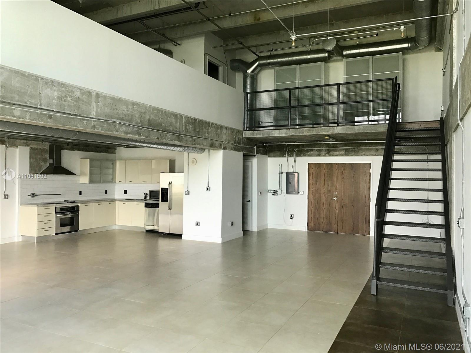 Large NY Style Industrial Loft this floorpan rarely available in this building. Soaring 20' ceilings