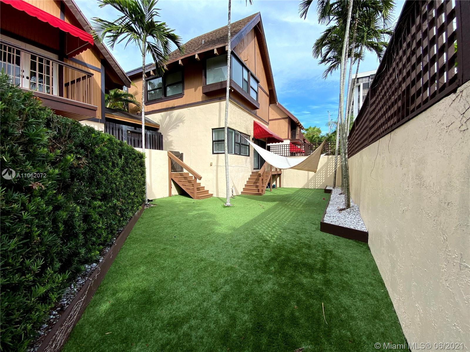 Brickell Ave. Stand alone Townhouse, no share walls with other units. Less than 3 year old new roof,