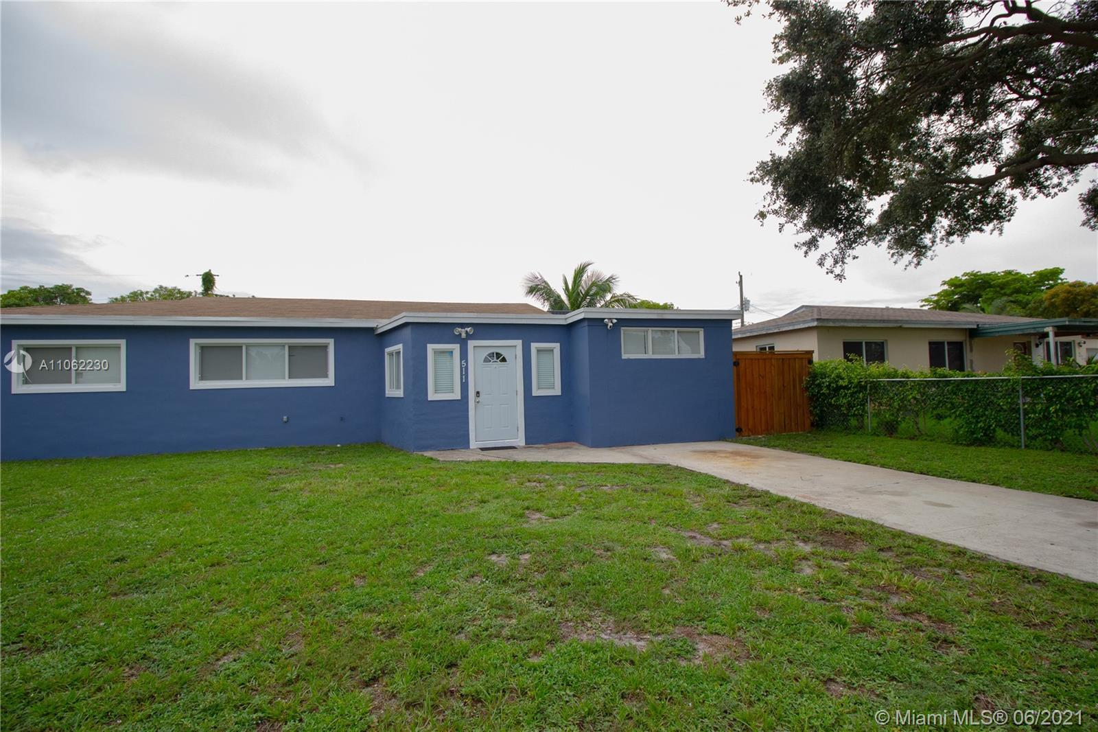Newly remodeled home, perfect for first time homebuyers. This cozy property has a spacious backgroun