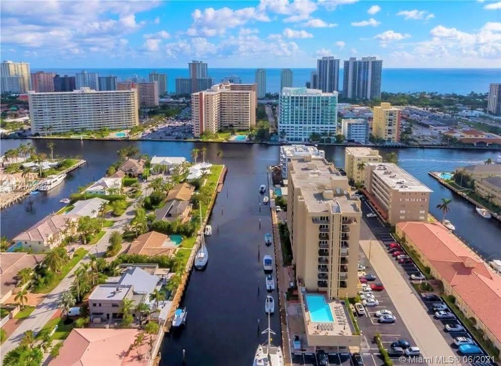 ATTENTION! BOAT LOVERS, DON'T MISS THIS OPPORTUNITY. SPACIOUS 2 BEDROOMS/2 BATHS WATERFRONT CONDO. A