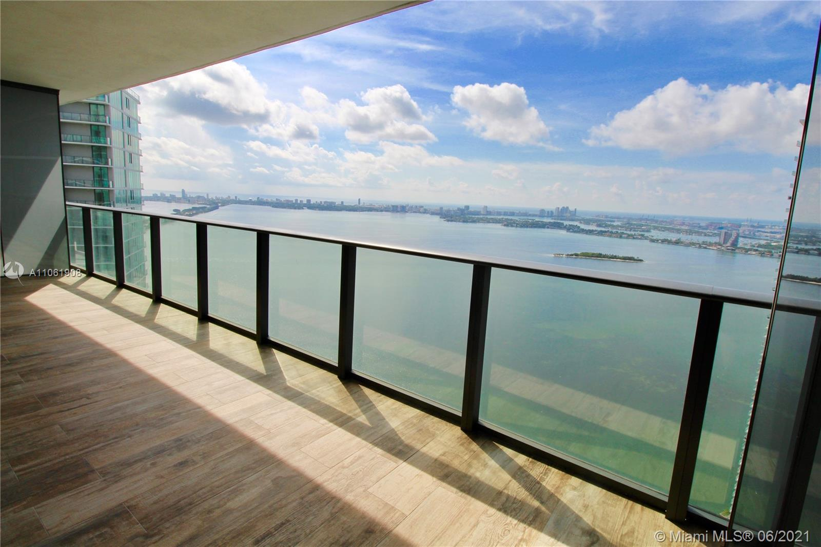 Amazing apartment of 1 bedroom and 2 bathrooms located in the trendy Edgewater neighborhood of Miami
