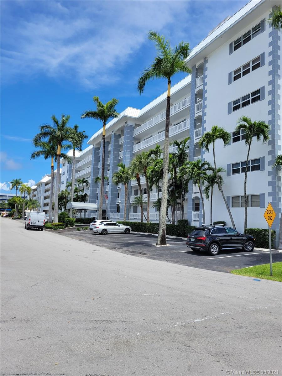 Waterfront condo in well maintained 6 story building in Coral Ridge area. This 2 bedroom/2 bathroom