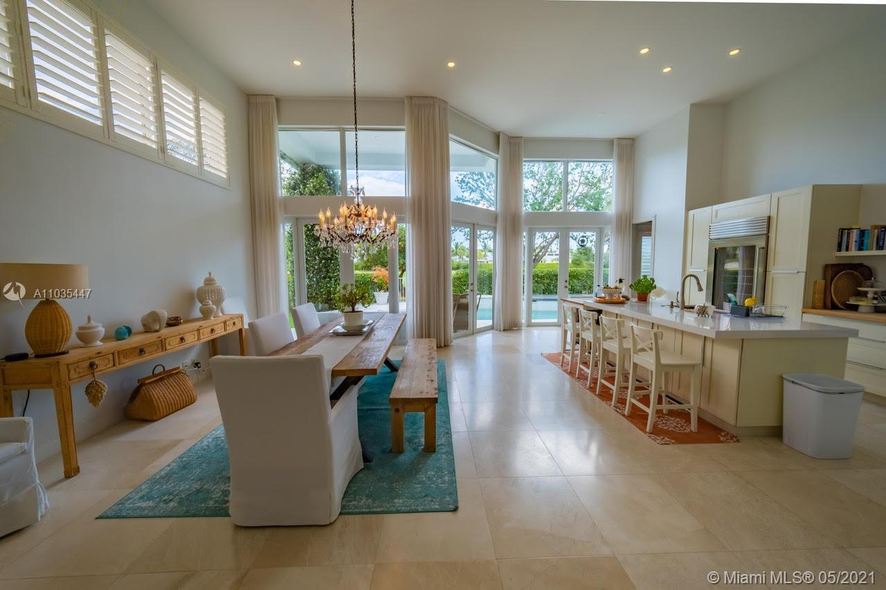Welcome to Woodfield Country Club Gorgeous lake! Beautiful and very bright spacious white kitchen up