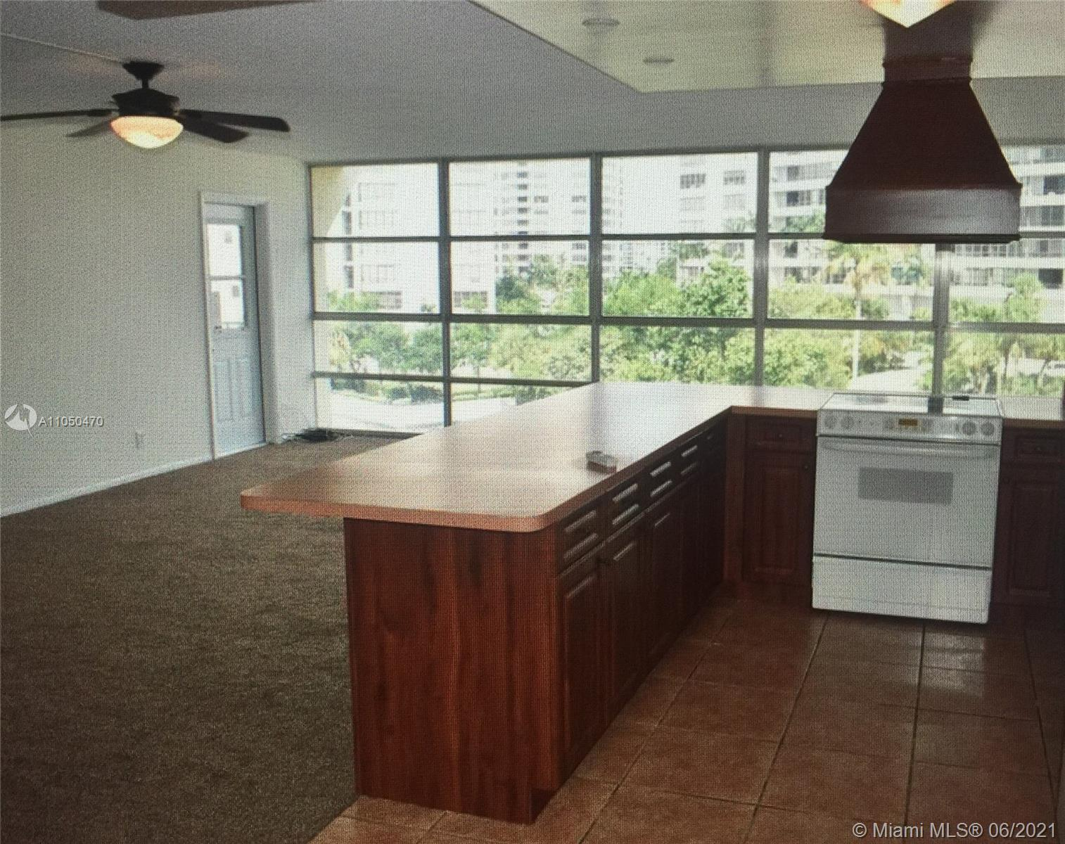 This is a spacious updated top floor corner unit, situated within a clean building. Brand new carpet