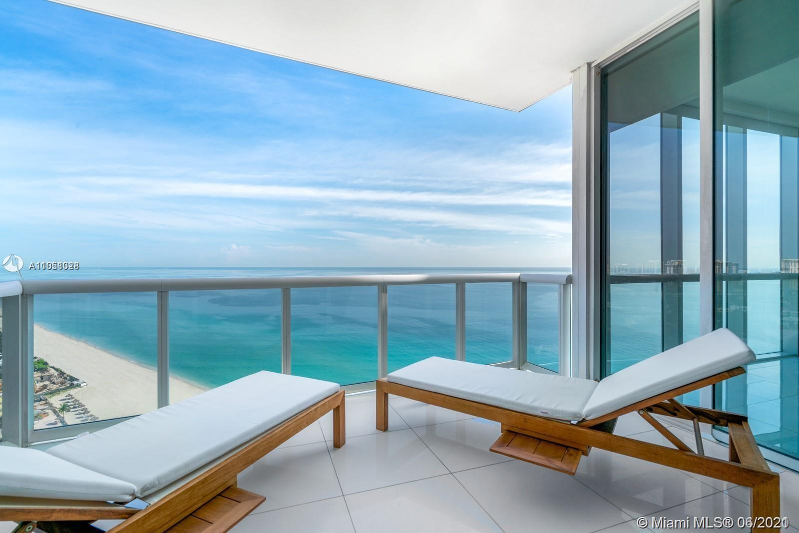 Stunning ocean-views from every window in this 1,614 SQFT —— 2 BEDROOMS / 3.5 BATHS —— This spacious