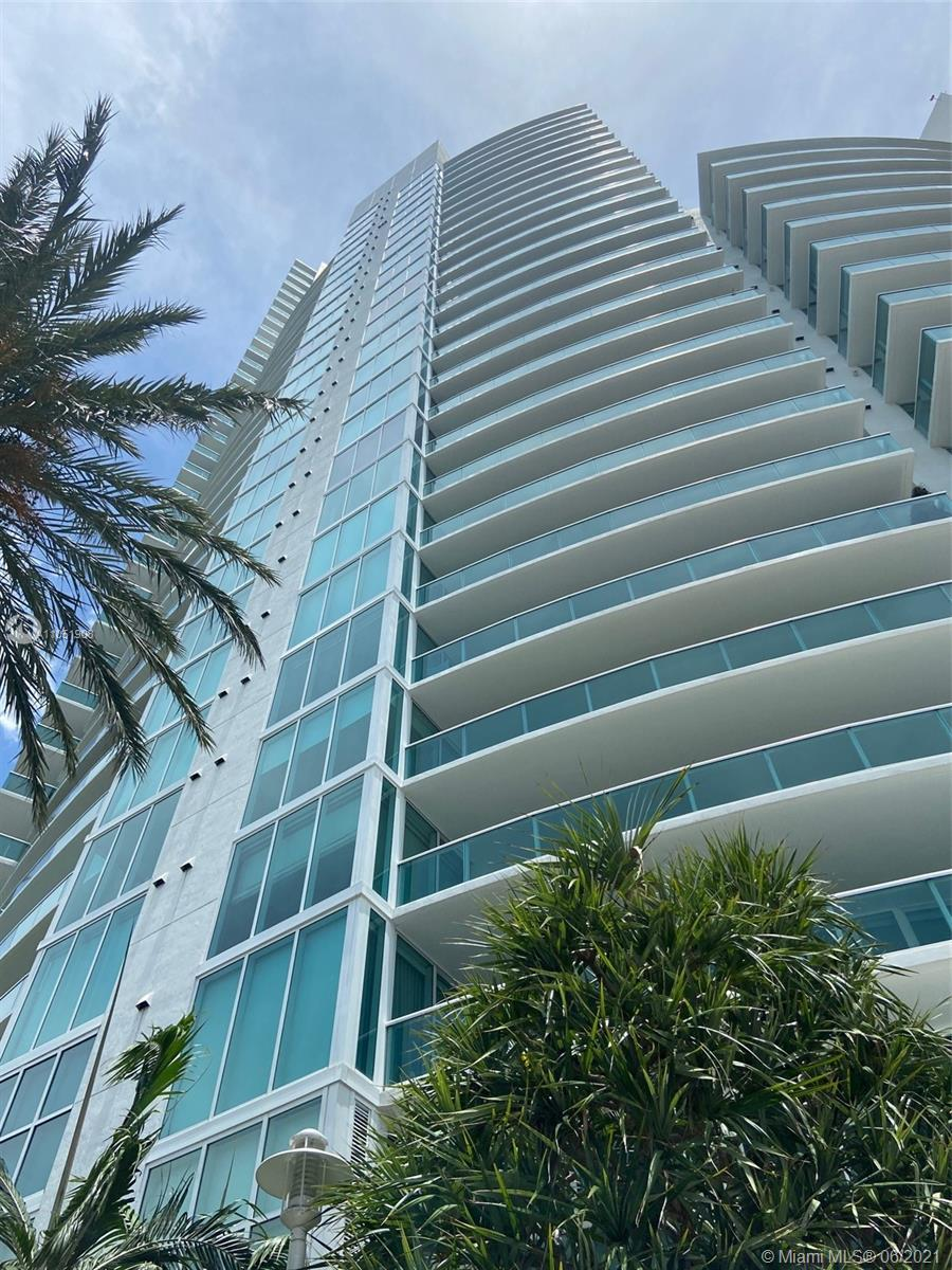 AMAZING '01' LINE FEATURING WRAPAROUND VIEWS OF THE OCEAN, BAY AND SKYLINE! EXPERIENCE 3365 SQUARE