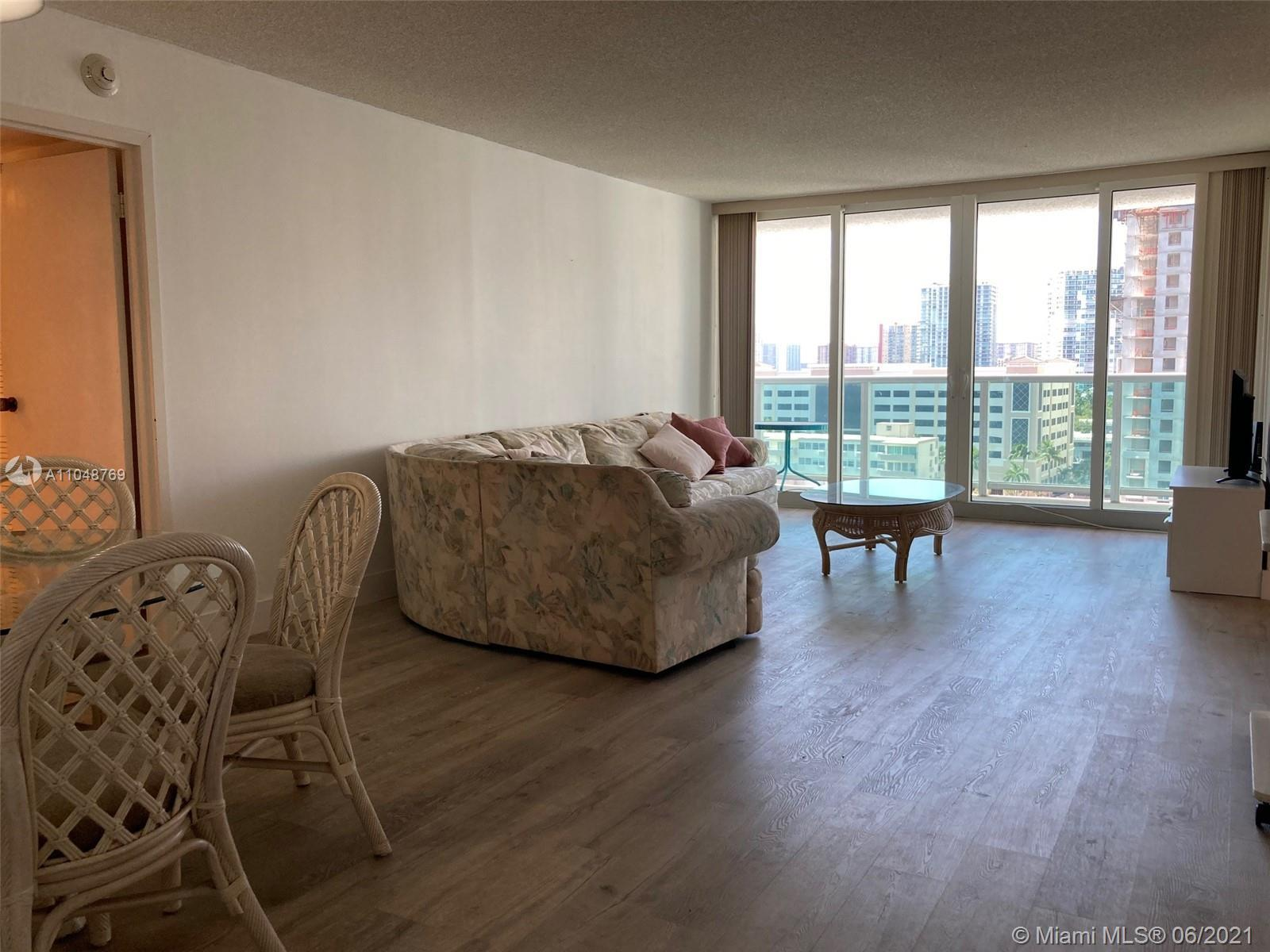 SPLIT FLOOR PLAN unit located in the best area of Sunny Isles. Totally renovated building with the b